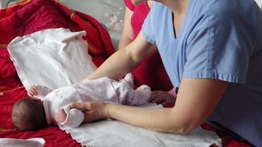 Présence des accompagnants en maternité